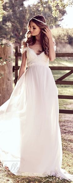 """With bold and intoxicating wedding dresses that are """"Everything"""", Anna Campbell 2018 Eternal Heart Collection is a bridal-fashion moment not to be missed. Bohemian Wedding Dresses, Gorgeous Wedding Dress, Best Wedding Dresses, Beautiful Gowns, Boho Wedding, Wedding Gowns, Wedding Ideas, Wedding Stuff, Dream Wedding"""