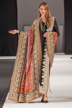 Komal Nasir Shawls Collection at Pakistan Fashion Week London 2018 Pakistani Fashion Party Wear, Pakistani Couture, Pakistani Dresses Casual, Pakistani Bridal Wear, Pakistani Dress Design, Indian Fashion, British Fashion, Fancy Dress Design, Bridal Dress Design