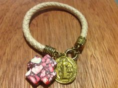 Hey, I found this really awesome Etsy listing at https://www.etsy.com/listing/237226260/woman-leather-bracelet-with-mosaic-stone