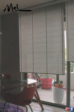 Son cortinas de enrollamiento superior, que ocupan un mínimo lugar en la ventana y que permiten el uso del doble cortinado o de fondo de cortina. Con sistemas manuales de cadena o con motores instalados dentro del tubo de la misma, pueden utilizarse con un doble cortinado debido a Que pueden ser automatizadas a control remoto o con pulsador. MEL INTERIORES Gorriti 4700 - esq. Malabia (54-11) 4833-3106 / 4776-4200 cortinas@melinter... Palermo Soho - Buenos Aires - Argentina Cortinas Rollers, Divider, Bedroom Decor, Curtains, Furniture, Home Decor, Environment, Tela, Chain