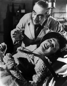 Bela Lugosi threatens Loretta King with a spaghetti strainer on her head in the Ed Wood classic, Bride of the Monster Dracula Cape, Science Fiction, Retro Boutique, Vintage Horror, Funny Vintage, Vintage Stuff, Ed Wood, Famous Graves, Scary Monsters