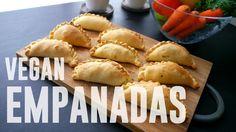Ingrédients : 250g haché végétal Sojasun 1 oignon 2 cs huile d'olive 5 olives vertes 1 cc paprika 1/4 cc cumin 2 poignée de persil plat 2 rouleaux de pâte br...