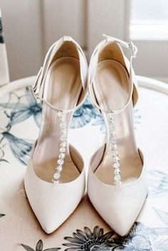 33 Comfortable Wedding Shoes That Are Oh-So-Stylish If you are looking for the comfortable and gorgeous shoes, you will find many attractive variants here. Check out our list of comfortable wedding shoes. Wedding Boots, Wedding Heels, Wedding Rings, Blush Wedding Shoes, Wedding Garters, Ivory Wedding, Wedding Dress Trends, Wedding Dresses, Bride Shoes