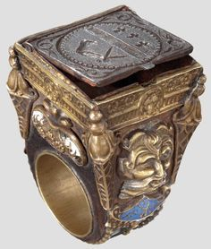 Luxury ring with a secret compartment, historicism style in 1600