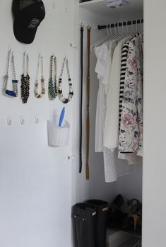 jak uporządkować akcesoria w szafie, diy, triki. wardrobe organization, wardrobe ideas