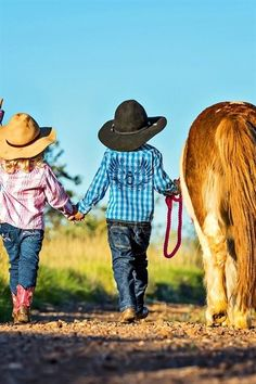 Cowboy Hat with Western Bandanna Dress Up Costume Boys Girls Halloween Country Couple Pictures, Cute Family Pictures, Cowboy Pictures, Horse Pictures, Cowgirl Baby, Cowboy And Cowgirl, Cowboy Hats, Little Country Boys, Little Cowboy