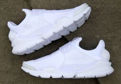 "#sneakers #news  Another ""Triple White"" Nike Sock Dart Is Back In Stores"