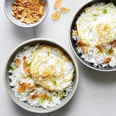 Sinangag (Garlic Fried Rice) Best Brunch Recipes, Breakfast Recipes, Breakfast Ideas, Breakfast Menu, Favorite Recipes, Egg Recipes, Cooking Recipes, Yummy Recipes, Epicurious Recipes