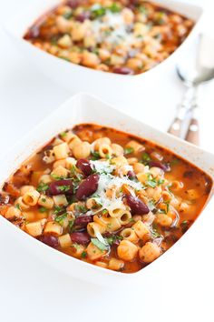 Pasta e Fagioli – A classic Italian pasta and bean soup with plenty of flavor and heart healthy fiber and protein! 240 calories and 7 Weight Watchers SmartPoints