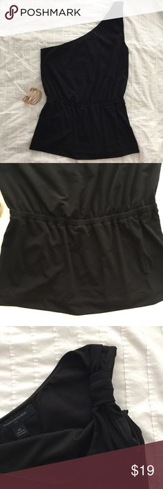 Banana Republic Black one shoulder tank Black one shoulder tank. Elastic waist and knotted detail at shoulder. So cute!! Wish it still fit after being pregnant! Only worn a couple of times. Great condition. Banana Republic Tops Tank Tops