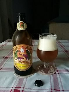 Cerveja Colombina Saison do Pé Rachado, estilo Saison / Farmhouse, produzida por Cervejaria Goyaz, Brasil. 4.8% ABV de álcool.