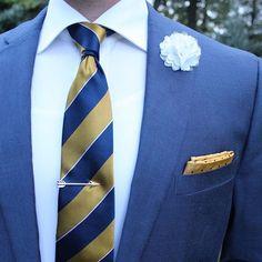 Cool summer blue and gold. Summer, Gold, Blue, Wedding, Instagram, Fashion, Valentines Day Weddings, Moda, Summer Time