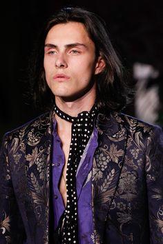 Roberto Cavalli Spring 2017 Ready-to-Wear Fashion Show Details