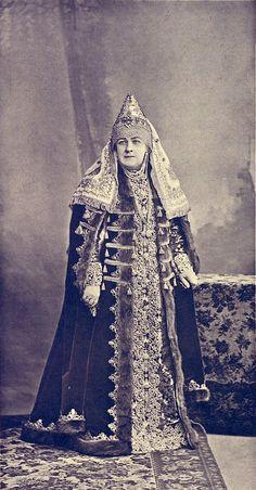 ♥ Sophia Alexandrovna princess Arapova...she is shown in nearby image standing alongside Grand Duchess Marie Pavlovna ......084 by klimbims on deviantART