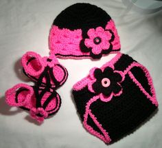 Crochet baby girl flower hat sandals and by FreshOffTheeHook, $40.00
