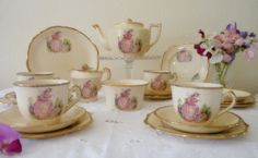 crinoline lady tea set