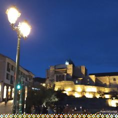 Una estupenda noche, en la explanada del Koricancha - Cusco 🌝✨📷 #incredibletravel #sientetuviaje #cusco #koricancha #templodelsol #noche #foto #fotografia #peru . . . #feelyourtravel #sintasuaviagem #templeofsun #insta #igerscusco #photographer #photo Seattle Skyline, Travel, Night, Fotografia, Viajes, Destinations, Traveling, Trips
