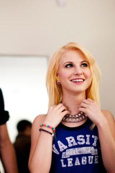 Hayley Williams Blonde so cute ^^