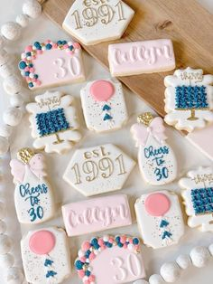 Iced Cookies, Cut Out Cookies, Royal Icing Cookies, Fun Cookies, How To Make Cookies, Cake Cookies, Sugar Cookies, Cupcake Cakes, Decorated Cookies
