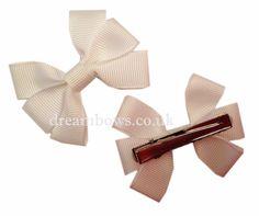 White grosgrain ribbon hair bows on alligator clips - www.dreambows.co.uk #dreambows