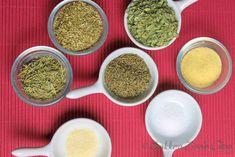 Italiaanse kruidenmix zelfgemaakt New Recipes, Cooking Recipes, Favorite Recipes, Healthy Recipes, Spice Blends, Spice Mixes, Pizza Poster, Seasoning Mixes, High Tea