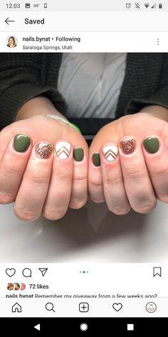 Semi-permanent varnish, false nails, patches: which manicure to choose? - My Nails Orange Nail Designs, Short Nail Designs, Orange Nails, Green Nails, Holiday Nails, Christmas Nails, Cute Nails, Pretty Nails, Dipped Nails