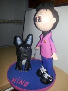 fofucho con perro bulldog en goma eva  goma eva,porex,silicona termoformado,artesanal