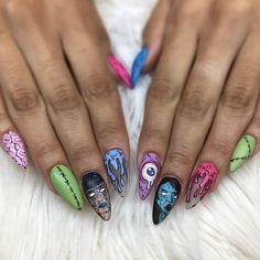 Halloween Acrylic Nails, Halloween Nail Designs, Best Acrylic Nails, Edgy Nails, Grunge Nails, Edgy Nail Art, Zombie Nails, Alien Nails, Pop Art Nails