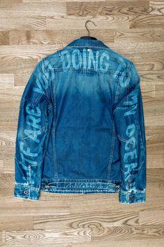 Painted Jeans, Painted Clothes, Denim Paint, Custom Clothes, Diy Clothes, Custom Denim Jackets, Jean 1, Jean Jacket Outfits, Estilo Denim