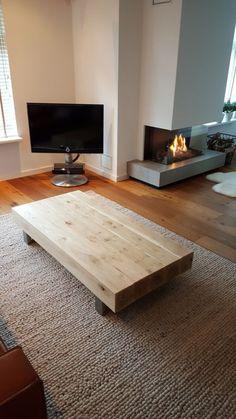 Salontafel 150x75x30cm met massief eiken balken en stalen frame