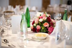 Our favorite trends - La Tavola Fine Linen Moon Wedding, Purple Wedding, Irish Baby Girl Names, Tiffany Pratt, Green Moon, Catering, Tiffany Wedding, Wedding Table Flowers, Centerpieces