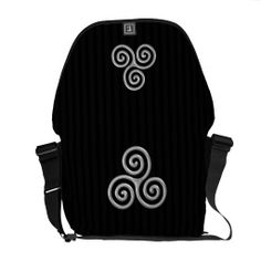 Triple Spiral Chrome on Black Messenger Bags Pack Your Bags, Messenger Bags, Beautiful Bags, Wearable Art, Spiral, Purses And Bags, Jewelry Accessories, Chrome, Fashion Jewelry