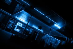 cold dreams // light // photography // cool // lighting // art // artistic // neon