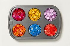 how to dye white plastic buttons using Rit