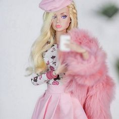 By: Raphaelle Paris Barbie Style, Barbie Girl, Pink Barbie, Barbie House, Barbie Fashionista, Barbie Tattoo, Makeup Vintage, Barbie Vintage, Fashion Royalty Dolls