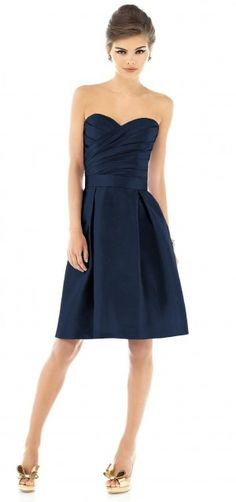 I love this dress, and love the colour, one of my favourites.