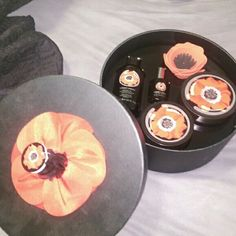 The body shop smoky poppy collection Great kit with hat box to hold goodies! Would make a great gift! the body shop Other