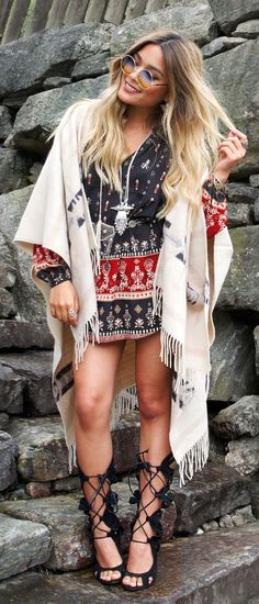 Boho cic outfit, with round sunglasses. Find more round sunnies at http://www.smartbuyglasses.com/designer-sunglasses/general/-Women-Round---------------------