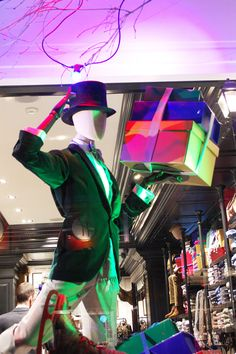 Hackett, LONDON CHRISTMAS ROUND-UP - VM