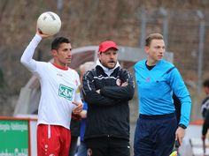 Kapitän #Karim #Benyamina zusammen mit Chefcoach #Steffen #Baumgart.