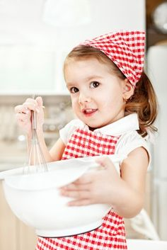 My kids have been in the kitchen with me since they were tiny and now we're reaping the benefits! 12 reasons you should teach your kids to cook too! Cooking with Kids kids cooking Little People, Little Ones, Little Girls, Red Cottage, Photocollage, Baking With Kids, Christmas Kitchen, Christmas Baking, Christmas Cookies