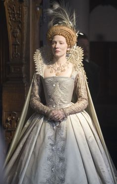 Cate Blanchett in 'Elizabeth, The Golden Age', Magnificent costuming.