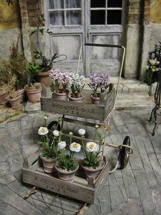 I love this flower cart!