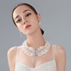 Dilraba, Brand Ambassador, wears the jewelleries from High Jewellery Collection Jeux de Rubans. With the exceptional design and exquisite craftsmanship of MIKIMOTO, the decorative and whimsical ribbons are portrayed genuinely on the jewelleries. 24k Gold Jewelry, Heart Jewelry, High Jewelry, Jewelery, Personalized Jewelry, Handmade Jewelry, Unique Jewelry, Bridesmaid Jewelry, Bridal Jewelry