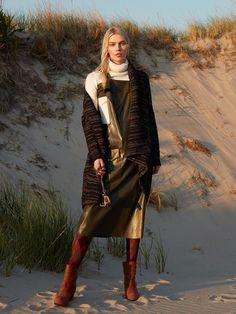 Photography:Greg Swales. Styled by:Arnold Milfort. Har:Hikaru Hirano. Makeup: Andrea Tiller. Model:Aline Weber.