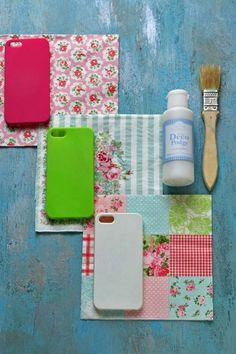 材料は、 100円ショップの無地のスマホケース、 ペーパーナプキン デコパージュ用接着材 (DecoPodgeペーパーナプキン) Diy Crafts For Gifts, New Crafts, Sewing Crafts, Sewing Ideas, Deco Podge, Diy Phone Case, Chalk Art, Handicraft, Paper Napkins