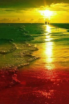 Nothing but good vibes when i hear Reggae at the beach. Reggae Art, Reggae Music, Rastafari Art, Rasta Art, Bob Marley Art, Rasta Colors, Thinking Day, Surfing, Scenery
