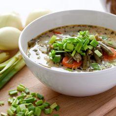 Tradycyjna luksemburska zupa z zielonej fasolki szparagowej. W Luksemburgu to potrawa narodowa. Podawana jest też w niektórych regionach Belgii i Francji.