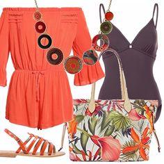 Un outfit pensato per andare al mare, ma molto adatto anche per una passeggiata pre, o post bagno. Tutina arancio con scollo a barca, interpretata come copricostume, sandali infradito dello stesso colore, una comoda borsa a tema tropicale, costume intero color melanzana e collana Desigual sugli stessi toni di colore.