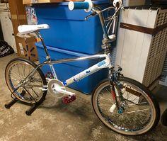 General Osborn Pro restoration! Vintage Bmx Bikes, Bmx Flatland, Bmx Freestyle, Bmx Bicycle, Old Skool, Cool Bikes, Mountain Biking, Skateboard, Cycling